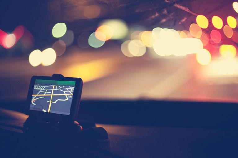 gps-navigational-system-on-dashboard-of-car-137788228-593df2d25f9b58d58a33d8e8